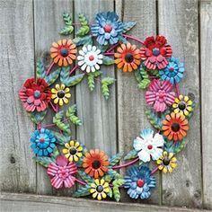 Diy garden art metal tin cans 42 trendy ideas Aluminum Can Flowers, Aluminum Can Crafts, Aluminum Cans, Metal Crafts, Tin Can Art, Soda Can Art, Tin Art, Soda Can Flowers, Tin Flowers