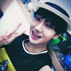 ️ #브이 #쁘이 #븨 SuperJunior Yesung