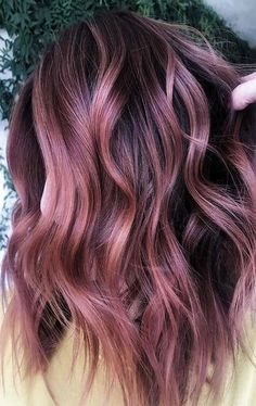 Cabelo Rose Gold, Cabelo Ombre Hair, Rose Gold Baylage, Beautiful Hair Color, Cool Hair Color, Hair Color Pink, Hair Color For Black Hair, Rose Gold Hair Brunette, Copper Rose Gold Hair