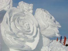 Carnaval de Québec 2012 snow sculpture