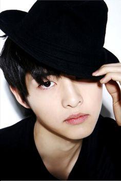 why so handsome? Asian Actors, Korean Actors, Korean Men, Song Joong, Song Hye Kyo, Descendants, Running Man Song, Soon Joong Ki, A Werewolf Boy
