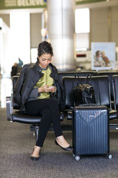 travel journal- airport style & packing tips Airport Chic, Airport Style, Airport Outfits, Airport Fashion, Packing Tips For Travel, Travel Essentials, Travel Ideas, Wendy's Lookbook, Travel Outfit Summer