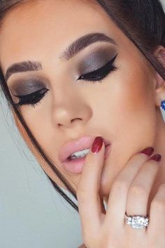 + Hottest Smokey Eye Makeup Ideas 2018 ★ See more: http://glaminati.com/sexy-smokey-eye-makeup/ #funmakeupideas