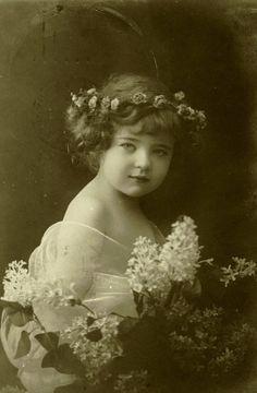 Vintage fairy girl: