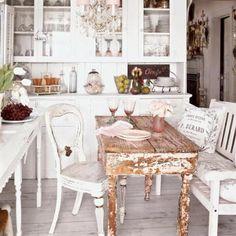 Beach Cottage Love: beachy kitchens