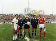 Anos 80 - Shéu como capitão do Benfica em Faro.