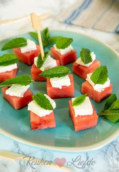 Food N, Food And Drink, Appetizer Recipes, Dinner Recipes, Appetizers, Food Displays, Fabulous Foods, Yummy Food, Delicious Recipes