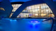Die Kärnten Therme in Villach, Österreichs modernste Erlebniswelt Klagenfurt, Amalfi, Marina Bay Sands, Opera House, Skiing, Travel Tips, Building, Villach, Vacation Travel