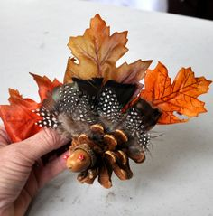 DIY - Turkey Centerpiece for your Thanksgiving Table. These are so stinkin cute! Feathers from Guinea Fowl? Thanksgiving Traditions, Thanksgiving Crafts, Thanksgiving Table, Fall Crafts, Holiday Crafts, Holiday Fun, Crafts For Kids, Diy Crafts, Christmas Pine Cones