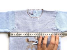 Cómo Calcular Los Puntos para Tejer una Prenda desde el cuello Baby Knitting Patterns, Knitting For Kids, Free Knitting, Knitting Tutorials, Crochet Accessories, Knit Crochet, Free Pattern, Stitch, Sweaters