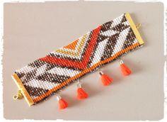 """Manchette en perles de rocaille Modèle """"Mexico"""" 25€ http://www.alittlemarket.com/bracelet/fr_manchette_tissee_en_perles_de_rocaille_inspiration_ethnique_-8546583.html"""