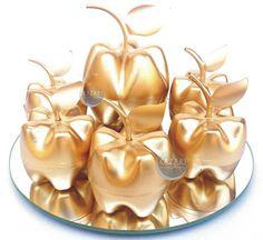 KAZARI ATELIER & INTERIORES: Applepet Dourada
