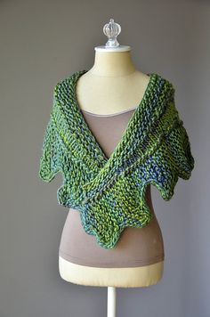 Knitting Patterns Galore - Cog Shawlette