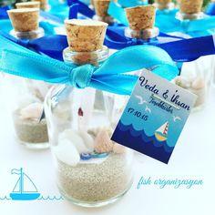 Deniz konseptli organizasyonlarınız için orjinal bir hediyelik. #deniz #denizkabuğu #nişan #nikah #düğün #hatıralık #denizkonsepti #gelin #evleniyorum #hediyelik #şişehatıralık #favor #wedding #weddingfavor #party #doğumgünü #dogumgunu #seatheme #nikahşekeri #davetiye #organizasyon #şişe #event #mavi #blue #sea #kavanoz