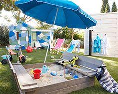 90f37310d8f090 Bac à sable avec bancs rabattables en bois - Soulet   Disponible chez  Castorama http