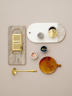 Marble, gold and teak kitchen essentials - design by Bloomingville flatlay interior decoration design inspiration photography styling Slots Decoration, Decoration Table, Design Set, Kitchen Tools, Kitchen Decor, Gold Kitchen, Kitchen Utensils, Kitchen Design, Home Interior