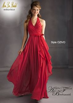 Style OZIVO Luxe Chiffon Bridesmaid Dress  Floor length. Zipper Back. Available in all Luxe Chiffon Colors. Sizes Available: 2-28.  Precio: $629.200 Pesos Colombianos. Precio: $286.00 Dolares Americanos.