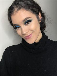 @leseulig blue eyeshadow holiday makeup