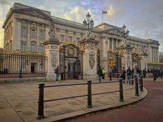 #London #LondonCity #Buckingham #BuckinghamPalace #Palace #Palacio #ThisIsLondon # #UK #EstaEs_Europe #Loves_London #EstaEs_Europa #London #Londres #Loves_Europe #Ig_Europe #Europe_Gallery #HaveALondonLook #Londyn #UnitedKingdom #GreatBritain #InstaTravel #MonumentalEurope #ViajerosXLondres #In_Europe #BuckinghamPalace #PalacioDeBuckingham # # # #ThisisLondon by jorgepohe