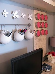 LOVE these hanging wall storage cups!  Great for office, over the sink, hanging herbs in the kitchen!
