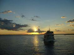 Por do sol na Baía do Guajará em Belém do Pará,Brasil