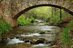 Escape To These 11 Hidden Oases In Oklahoma To Find Peace And Quiet Vacation Places, Vacation Spots, Places To Travel, Places To See, Vacation Ideas, Hidden Places, Travel Things, Family Vacations, Oklahoma Attractions