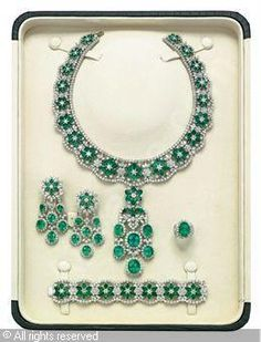 Set of 6: Emerald and diamond, emeralds stated to weigh a total of 212.22 carats, diamonds stated to weigh a total of 137.19 carats