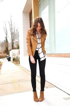 12 Spring Booties You Need In Your Closet ASAP &; 12 Spring Booties You Need In Your Closet ASAP &; Alyson OOTD Tan leather jacket black and white […] outfit spring Tan Leather Jackets, Leather Jacket Outfits, Brown Jacket Outfit, Spring Boots, Boots For Winter, Elegantes Outfit, Business Casual Outfits, Winter Business Casual, Business Style