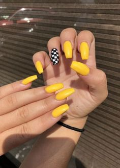 5 Amazing Yellow Nail Art Designs Color Combos for 2019 : Take a look! - Nail Art - Best Nail World Acrylic Nails Yellow, Yellow Nail Art, Acrylic Nails Coffin Short, Simple Acrylic Nails, Summer Acrylic Nails, Acrylic Nail Designs, Nail Art Designs, Coffin Nails, Nails Design