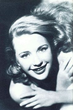 Actress Priscilla Lane looking wonderfully chipper and youthful in this photo from 1938. #Hollywood #vintage #actresses #movies #celebrities #1930s #Priscilla_Lane