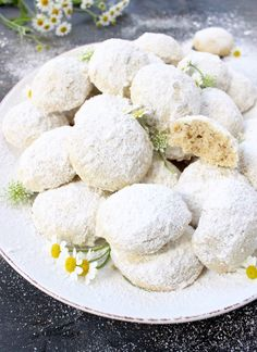 Italian Wedding Cookies Recipe (Easy ) | CiaoFlorentina.com @CiaoFlorentina