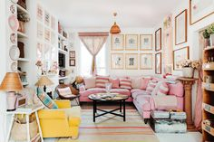 ▸ Do you love maximalist design? If so, keep on watching because the home I'm going to show you today is a maximalist dream. The home is located in Shepherd'. Wooden Lockers, Townhouse Designs, Pink Tiles, Black And White Tiles, London House, Designers Guild, Best Sofa, Shabby Chic Style, Displaying Collections