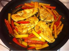 Diabetic meal: balsamic chicken and peppers Healthy me Diabetic Recipes, Low Carb Recipes, Cooking Recipes, Healthy Recipes, Diabetic Foods, Healthy Snacks, Diabetic Desserts, Healthy Breakfasts, Meal Recipes