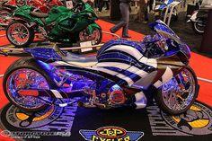 Garwood Custom Cycles took the Performance Custom Class in Atlanta for its 2007 Suzuki GSX-R 1000 called Neptune Crisp. Sidecar, Custom Hayabusa, Custom Sport Bikes, Bike Builder, Custom Cycles, Gsxr 1000, Sportbikes, Cool Motorcycles, Street Bikes