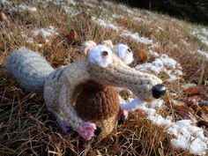 Scrat the Squirrel free crochet pattern by blogger Great Grey Crochet