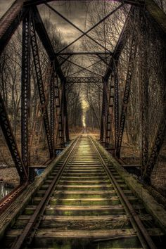 Love the eerie colors! An abandoned railway bridge in Springfield, New Jersey - absolutely love this shot - cries out to a better time, when trains rumbled along its rails. Abandoned Train, Abandoned Buildings, Abandoned Places, Abandoned Castles, Abandoned Mansions, Dome Geodesic, Fotografia Hdr, Foto Hdr, Foto Nature