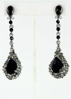 I love a good, black earring for prom! Black Prom Earrings, Drop Earrings, Prom Accessories, Prom Jewelry, Jewellery, Dream Prom, Everyday Dresses, Dangles, Prom Dresses