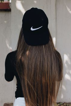 Imagen de nike, hair, and cap Summer Hairstyles, Pretty Hairstyles, Sporty Hairstyles, Hair Day, Your Hair, Hair Stores, Sport Outfit, Nike Shoes For Sale, Tumblr Girls