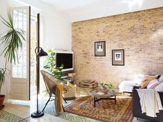 Imagen de http://www.micasarevista.com/var/decoracion/storage/images/mi-casa/casas/piso-barcelona-mezcla-estilos/una-decoracion-fresca-y-eclectica/1086230-1-esl-ES/una-decoracion-fresca-y-eclectica_galeria_landscape.jpg.