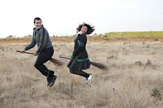 Harry Potter Themed engagement photos - I would LOVE to do some pictures like this! Any engaged couples/HP fans out there?