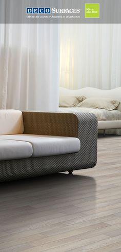 Ce plancher flottant vous permet d'obtenir le look d'un élégant plancher de bois pâle avec une pose des plus faciles et un prix abordable.