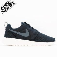 Nike Rosherun Nera bianca 511881-010 http://freesportstyle.com/nike