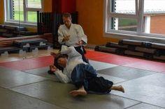 Aikido Vorführung (Embu) im Rahmen der Ausprobiertage im FitFive in Walding 2014 - Kokyonage
