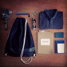 Essentials in my Henten bag バルセロナのオシャレなセレクトショップ The outspot で、この革のナップサックを発見!シンプルだけど、優れもの。