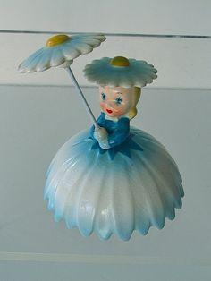 Vintage 1950's NAPCO Daisy Figurine