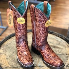 Shop Women's Corral Brown size Various Heeled Boots at a discounted price at Poshmark. Description: Very unique, handcrafted leather boots💋. Cute Cowgirl Boots, Rodeo Boots, Cowboy Boots Women, Corral Boots Womens, Western Shoes, Western Style, Tan Leather Boots, Leather Sandals, Cowgirl Style Outfits