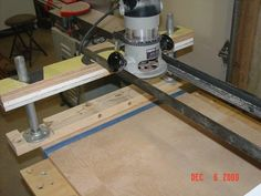 """Mini-Me"" version of my other router planer sled"