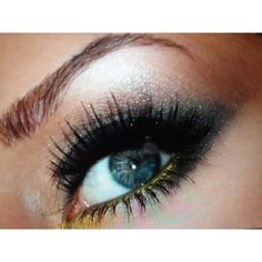 Green and yellow eyeliner works amazingly on blue or green eyes.  #prom #makeup