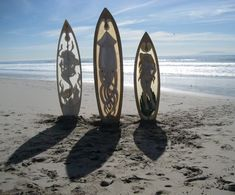 Marvelous Carved Surfboards by Joe Cardella Wind Surf, Inspiration Artistique, Surfboard Art, Surf Art, Small Boats, Surfs Up, Tentacle, Beach House Decor, Magazine Art