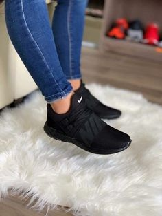 Cute Sneakers Shoes Sneakers Air Max Sneakers Hot Shoes Adidas Sneakers Look Com Tenis Nike Air Vapormax Sneaker Boots Nike Shox Crazy Shoes, Me Too Shoes, Souliers Nike, Skinny Jeans Damen, Fresh Shoes, Hype Shoes, Mode Outfits, Dress Outfits, Black Nikes